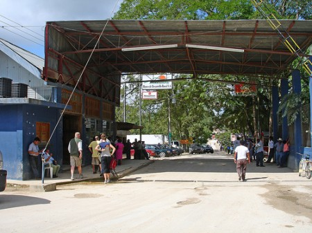 Belize-border-450x337