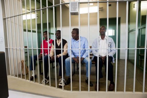 Nove somali a processo per pirateria