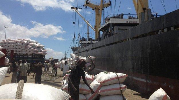 Mogadishu port BBC