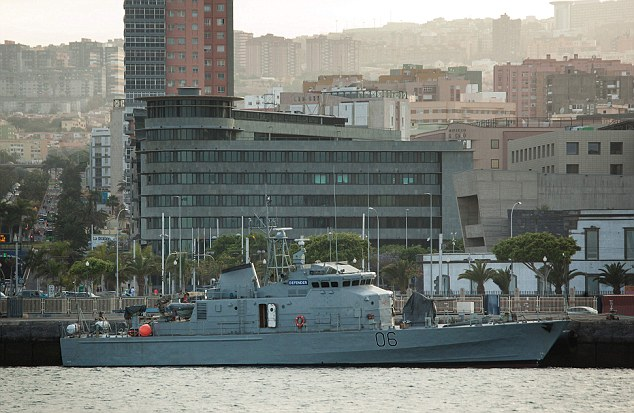 British patrol ship Defender is stopped in Tenerife due to permissions troubles.