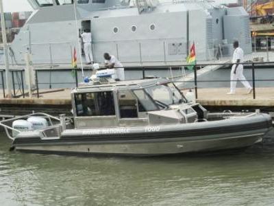 Defender_boat_Togo_400x300
