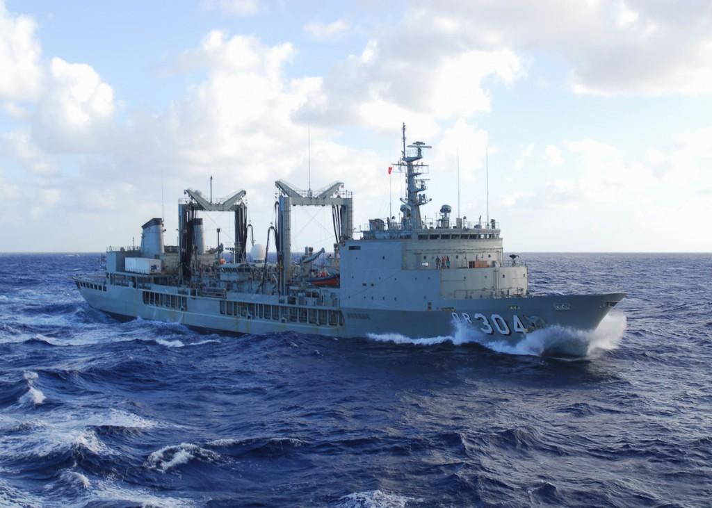 HMAS SUCCESS deploys into OOS